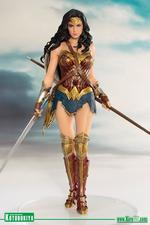 Justice League: Wonder Woman 1/10 Statue