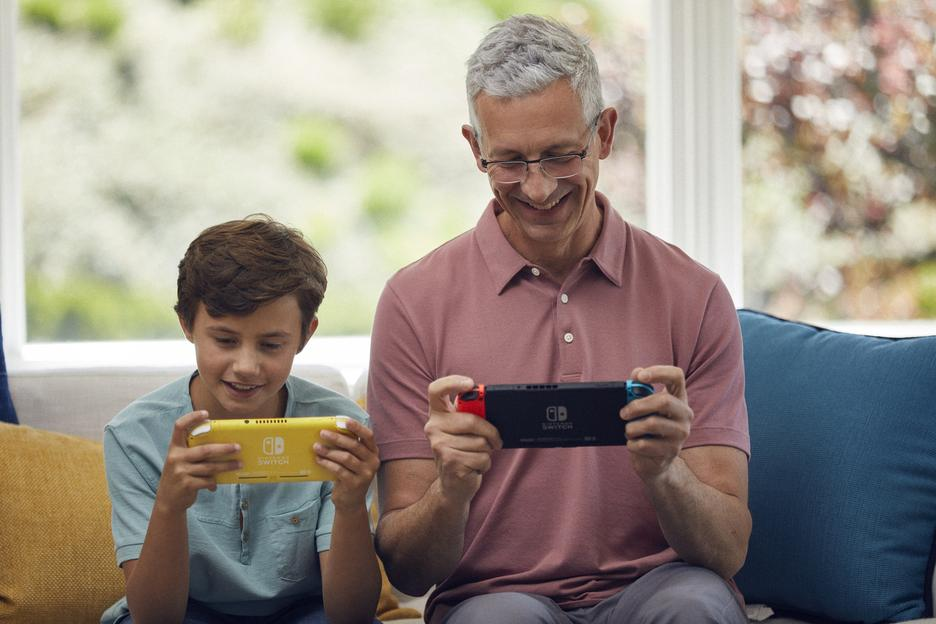 Nintendo Switch™ Lite Zacian and Zamazenta Edition Konsol